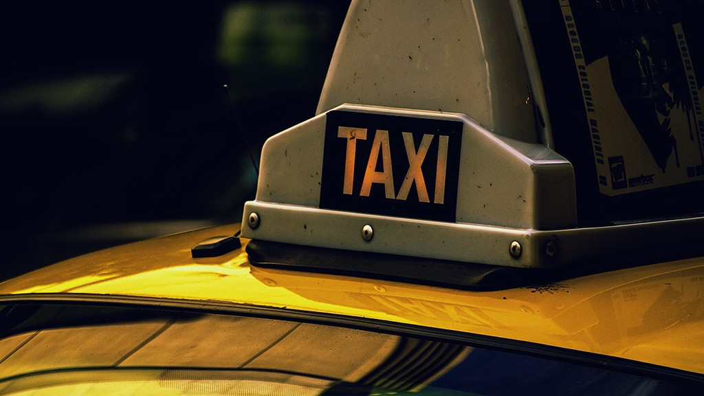 Security And Comfort Technology Gadgets Every Uber And Taxi Cab Driver Must Own